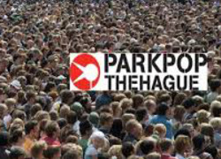 Normal_parkpop_crowd_en_logo